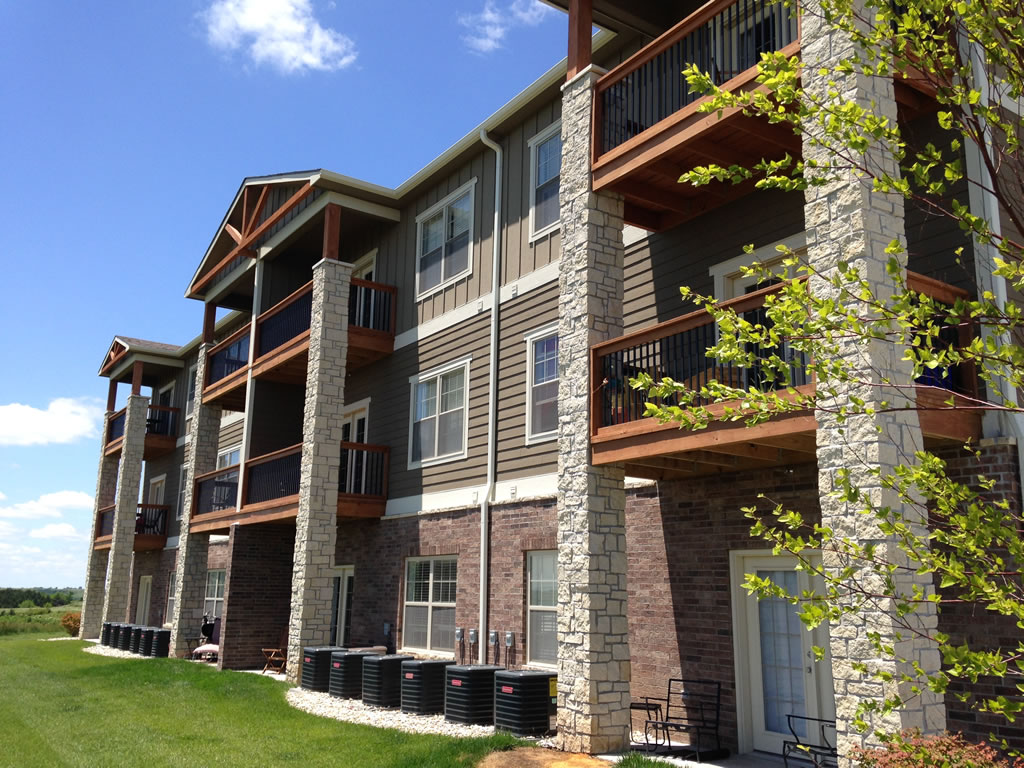 Bellerive Luxury Apartments On Colbert Hills Golf Course